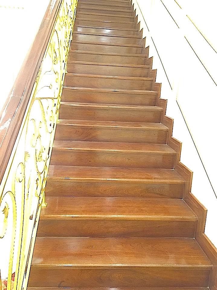 Cầu thang đẹp, thang dep, cau-thang-dep, mau-cau-thang-dep, thang tan co dien, thang sắt nghệ thuật